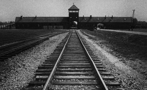 27.1.1945: AUSCHWITZ BEFREIT